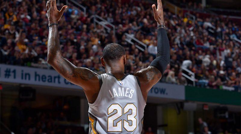 LeBron James vs Phoenix Suns